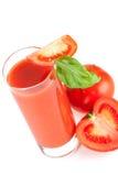 Suco de tomate fresco com manjericão Fotos de Stock Royalty Free