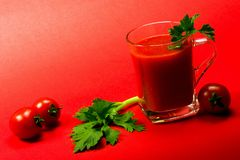 Suco de tomate fresco da cereja Fotografia de Stock