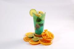 Suco do verão com frutos frescos Imagem de Stock Royalty Free