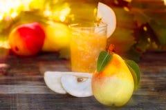 Suco fresco da pera Imagens de Stock