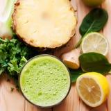 Suco verde saudável da desintoxicação Fotos de Stock Royalty Free