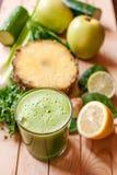 Suco verde saudável da desintoxicação Imagens de Stock