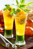 Sucos de fruta de paixão fotos de stock royalty free
