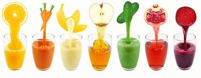 Sucos do vegetal e de fruto Fotografia de Stock Royalty Free