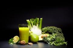 Sucos vegetais saudáveis para o rafrescamento e como um antioxidante Foto de Stock Royalty Free