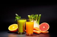 Sucos vegetais saudáveis para o rafrescamento e como um antioxidante Imagens de Stock