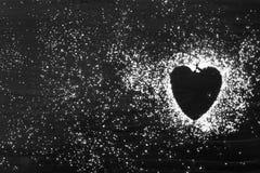 Sucre en poudre en forme de coeur Photo libre de droits