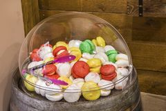 Sucrerie colorée dans une boutique de sucrerie Photos libres de droits