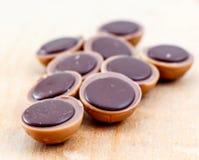 Sucrerie de caramel avec la noisette et le chocolat, images stock
