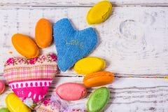 Sucrerie de coeurs pour faire de la publicité, bonbons sur le fond Photographie stock