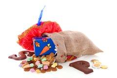 Sucrerie et cadeaux hollandais de Sinterklaas Photos stock