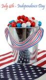 Sucrerie gommeuse de boule dans un quatrième de décoration de juillet Photo stock