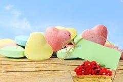 Sucrerie Valentine Background de coeur avec l'étiquette pour le texte à l'arrière-plan de ciel Photo libre de droits