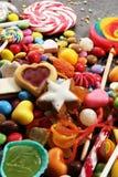Sucreries avec la gelée et le sucre choix coloré de différents childs photo libre de droits