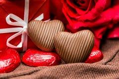 Sucreries de chocolats formées par amoureux Images libres de droits