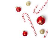 Sucreries et boules de Noël Photographie stock libre de droits