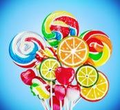 Sucreries et lucettes colorées Photo libre de droits