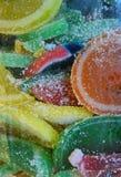 Sucreries sucrées déguisant comme fruit Images libres de droits