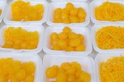 Sucreries thaïlandaises dans la boîte de mousse Photo libre de droits