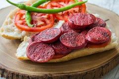 Sucuk Ekmek/Wurst im Brot Lizenzfreies Stockbild