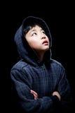 Sudadera con capucha que lleva del muchacho asiático lindo Imagenes de archivo