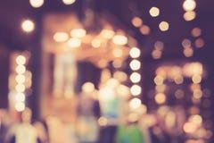Suddig bild av shoppinggallerian med bokeh Fotografering för Bildbyråer