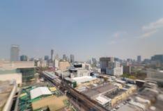 Suddig cityscape av centret Royaltyfria Foton