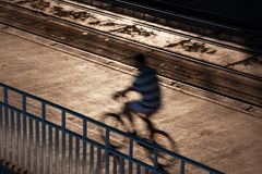 Suddig cykelbortgång Arkivfoto
