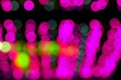 Suddig Defocused bild för abstrakt begrepp av nattljus med bakgrund för rörelsesuddighet arkivfoton