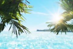 Suddig härlig seascape med solljus Royaltyfria Foton