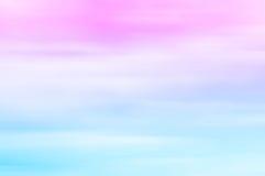 Suddig himmel på solnedgången Rosa färger som slösar, pastellfärgade signaler, lutning Royaltyfri Bild