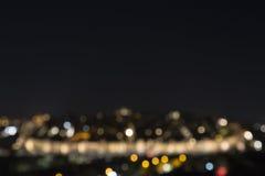 Suddig sikt av nattljusen av staden fotografering för bildbyråer