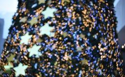 Suddiga Bckground: suddigt bokehljus i varm signalbakgrund arkivfoto