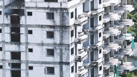 Suddiga bilder av övergiven gammal smutsig byggnad Fotografering för Bildbyråer