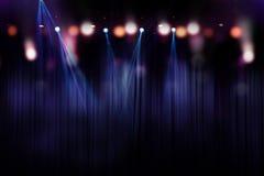 Suddiga ljus på etappen, abstrakt begrepp av konsertbelysning Royaltyfria Bilder
