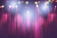 Suddiga ljus på etappen, abstrakt bild av konserten arkivfoton