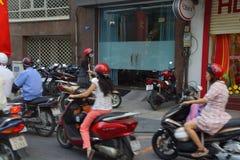 Suddighet av mopedtrafik Fotografering för Bildbyråer