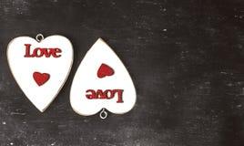 suddigheta hjärtor Hjärta för två rosa färg Älska begreppet för dag för moder` s och dag för valentin` s Vykort för dag för valen Arkivbild