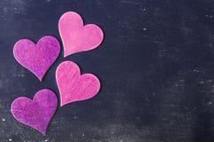 suddigheta hjärtor Hjärta för två rosa färg Älska begreppet för dag för moder` s och dag för valentin` s Vykort för dag för valen Royaltyfria Foton