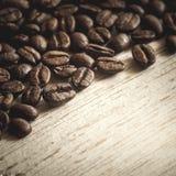 suddighett kaffe f?r bakgrund edges b?nan den selektiva fokusen fotografering för bildbyråer