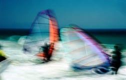 suddighett vindsurfa Arkivfoto