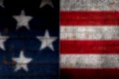 Suddigt Grundgy amerikanska flagganbakgrund arkivfoto