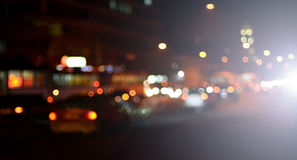 Suddigt landskap av nattstaden Royaltyfri Bild