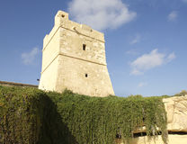 Sudika Wied iz-Zurrieq wierza, Malta, Europa Duży wierza na wzgórzu w Zurrieq, Malta Zdjęcia Stock
