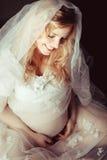 Sueño de la mujer embarazada fotos de archivo libres de regalías