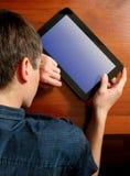Sueño del adolescente con la tableta Fotos de archivo libres de regalías