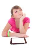 Sueño del adolescente con PC de la tablilla Imagen de archivo