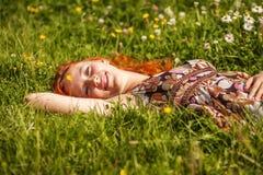 Sueño en prado del verano Fotografía de archivo