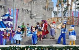 Sueño junto con la demostración de Mickey en el mundo de Disney Fotos de archivo