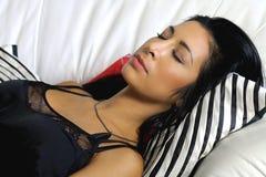 Sueños hermosos de la mujer joven Imagen de archivo libre de regalías